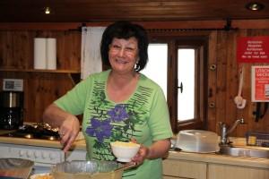 Hat uns wieder einmal Verwöhnt: Küchenchefin Brigitte Maier